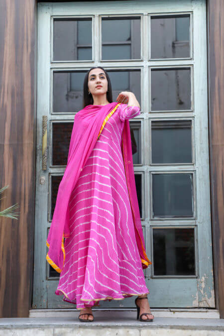 Fuchsia pink leheriya with dupatta