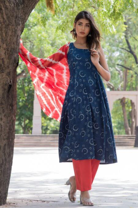INDIGO BLUE KURTA PANT SET WITH LEHERIYA DUPATTA